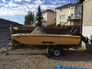15 Foot Bow Rider Speed / Fishing Boat w/ 50 HP Mercury Outboard