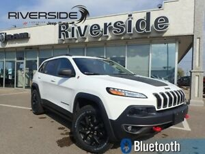 2015 Jeep Cherokee TRAILHAWK  - Bluetooth - $179.17 B/W