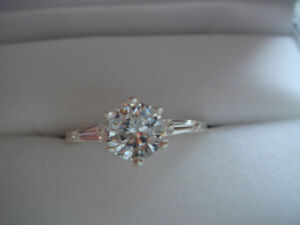 Sterling Silver Cubic Zirconia Ring Size 8