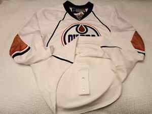Edmonton Oilers 2007-08 EDGE 1.0 Size 56 - White Edmonton Edmonton Area image 4