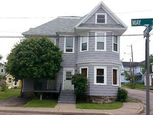 5 Unit Apartment Building For Sale