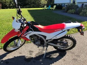 2014 Honda CRF 250 in almost new condition