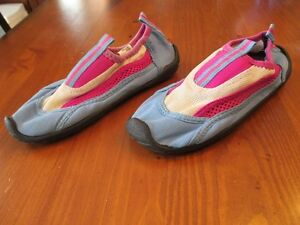 Chaussons nautiques pour fille taille 13