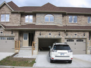 Luxury townhouse for rent in the desireable Willow West -Guelph