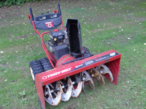 """Snowblower TROY-BUILT 45"""" Monster fully serviced and ready to go"""