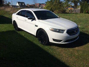 FORD TAURUS AWD SPORT PACKAGE FINANCEMENT MAISON DISPONIBLE