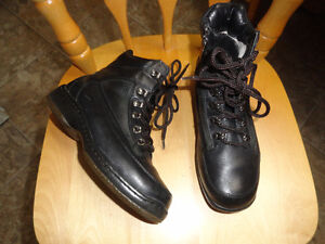 Leather Winter Black Boots - 7.5 - Like New