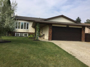 Immaculate family home close to 4 schools
