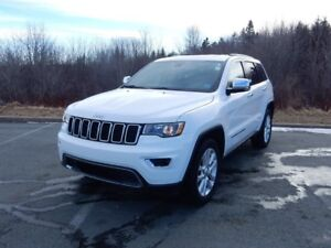 2017 Jeep GRAND CHEROKEE LOW KM!! LIMITED LOADED!