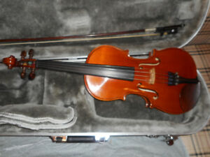 USED 4/4 YAMAHA V5 VIOLIN / FIDDLE