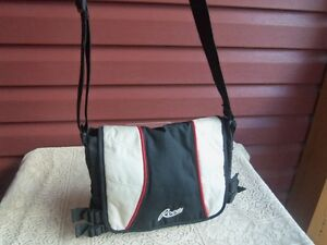 ROOTS sachel bag---never used!