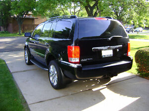 2007 Chrysler Aspen Limited SUV, Crossover