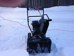 6 Hp 208cc 20 in 2 stage snowblower, SNO-TEK by Ariens, manual s