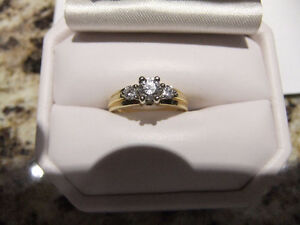 ENGAGEMENT RING LADIES 14K