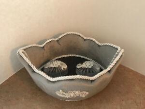 Decorative Velvet Box – Gondol Gray & White