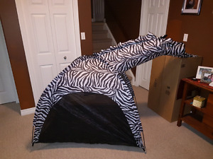 2  Keumer Swiftopen + Marty Zebra  Kids  Tents - NEW