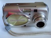 Olympus µ[mju] 400 / Stylus 400 4.0MP Digital Camera - Metal Sturdy Silver - Bargain £15