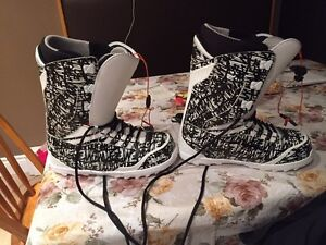 Thirty Two snowboarding boots