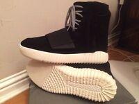 Black adidas yeezy 750 size 8