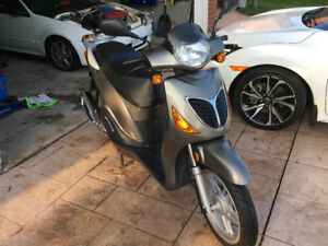 E-charm 150cc gas scooter