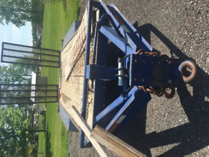 Tri-axel trailer for sale .