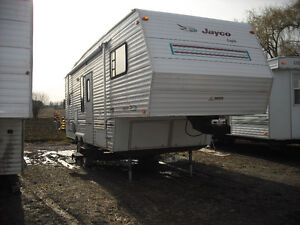 Very Nice 28' Jayco Fith-Wheel with slide-out