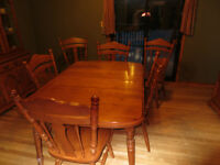5 piece SOILD MAPLE dining room set. Priced to Sell
