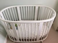 Stokke Sleepi cot with bed extension