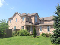 Well maintained 3 bedroom townhouse (Yonge/Elgin Mills) for rent