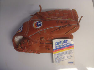 Rare Cooper Ball Glove With Tag, Autographed by Roberto Alomar