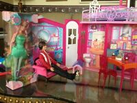 Barbie Dollhouse / Complete