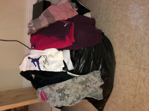 Huge bag of girls clothing size 2T-3T