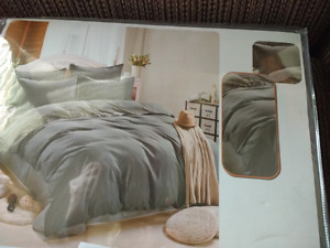 Brand New Queen Sheet Sets