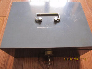 Old SteelMaster Cash box Sarnia Sarnia Area image 1