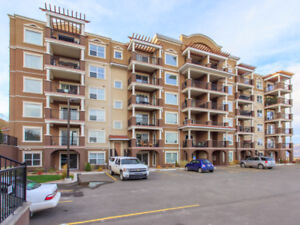 Charming Unit in Lovely Mission Hill!