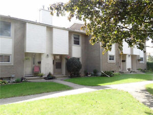 Lovely 3 Bed Townhouse in Great Community