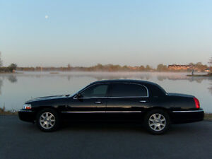 2011 Lincoln Town Car Executive L Sedan