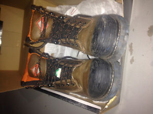 Steel toe work boots size 7