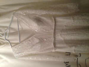 Wedding dress with sleeves - New