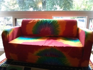 Kids play couch