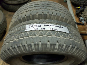 am selling A set of two 255/70R16 WRANGLER all season tires
