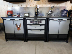 3 Husky Storage Lockers and Laminate Top in Excellent shape