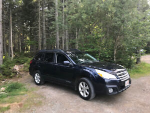2013 Subaru Outback 2.5 w. CVT Excellent Condition