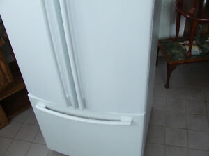 REALLY NICE LG TWIN DOOR FRIDGE WITH FREEZER ON BOTTOM