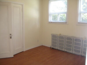 All Incl. 3 Bdm Main/lower Apt of Duplex, East End of Hamilton