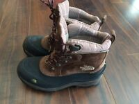 Women's The North Face winter boots size 8