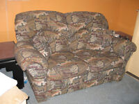 2 seater couch sofa a deux places