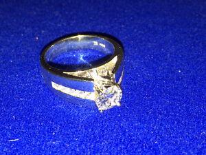 14K White gold diamond engagement ring Kitchener / Waterloo Kitchener Area image 4