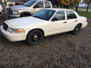 2011 Ford Crown Victoria SAFETIED & E-TESTED