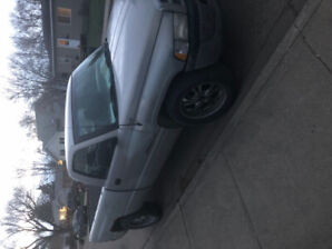 1500 Dodge Ram  RWD 146000km  reduced price to sell $2100 obo